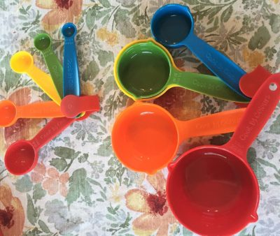 color coded measuring cups