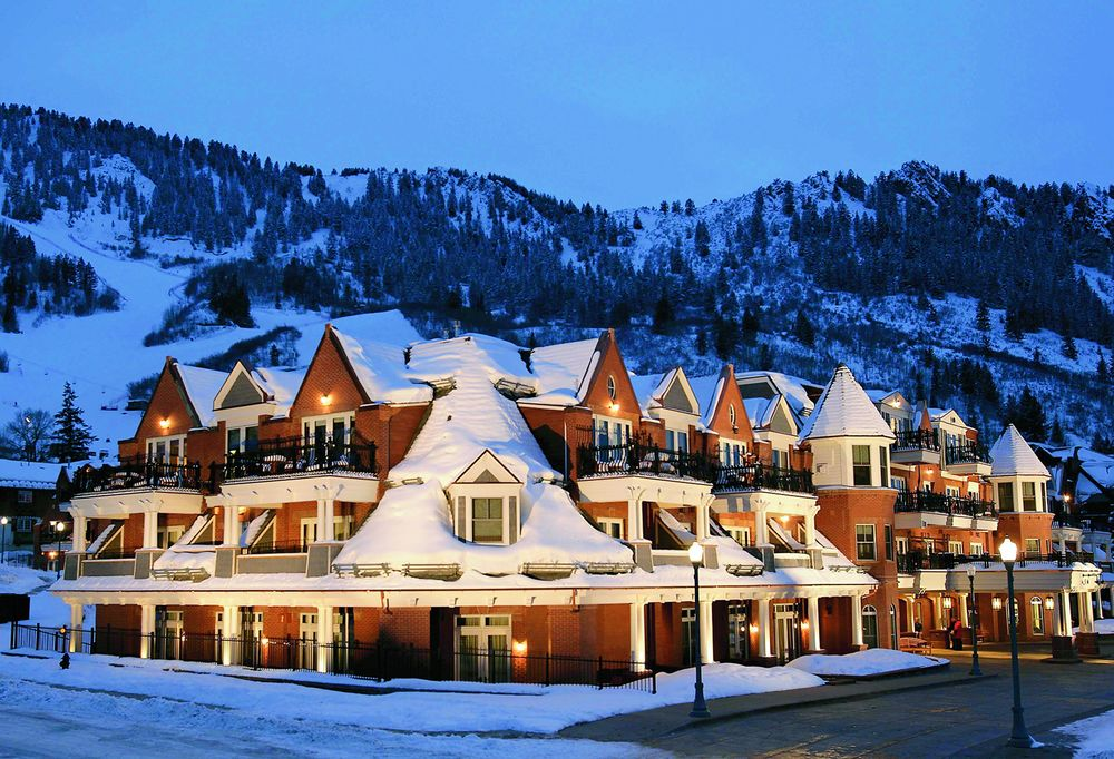 Hyatt Residence Club Grand Aspen night time