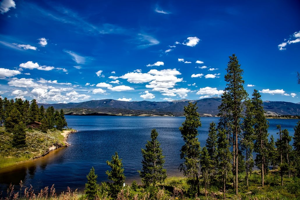 pretty lake in colorado