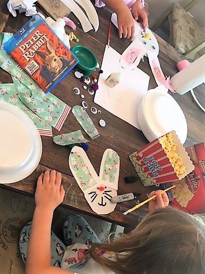 sisters crafting together