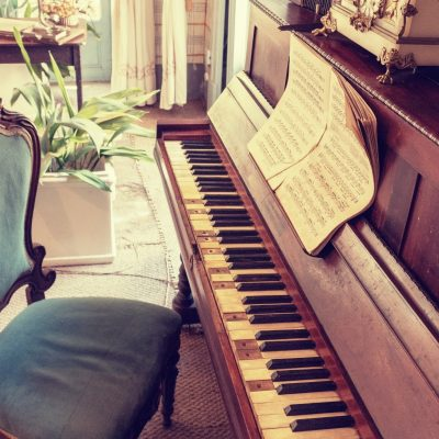 How to Encourage Art and Music in Kids' Extracurriculars