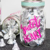 Cricut Crafts – BEST Valentine Cricut Craft Project You Will Love – Easy Candy Mason Jar DIY Cricut Idea With FREE SVG File