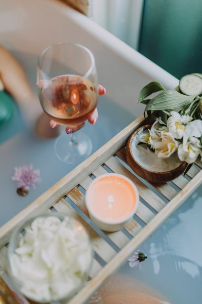 4 Easy Ways to Pamper Yourself at Home