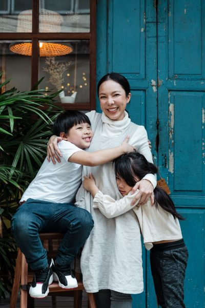 """Chill Out Mom- 5 tips for Snatching Some """"Me"""" Time"""